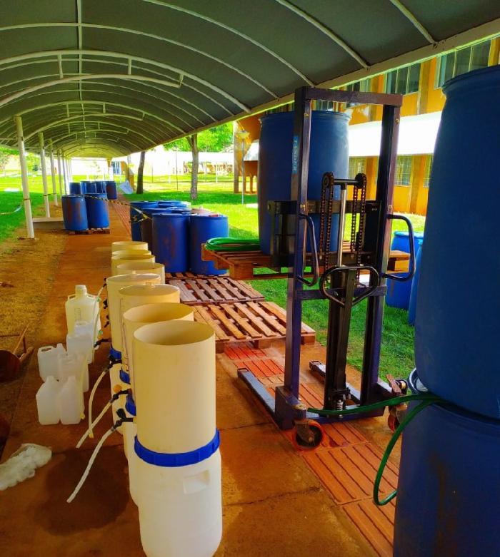 UFGD continua a todo vapor produção de álcool 70%