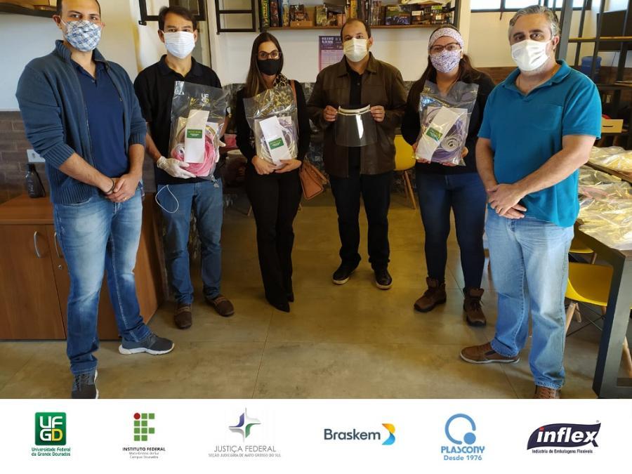Parceria UFGD e IFMS entrega protetores faciais 08