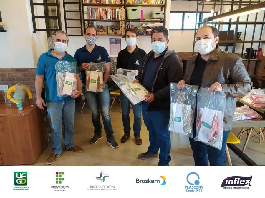 Parceria UFGD e IFMS entrega protetores faciais 10