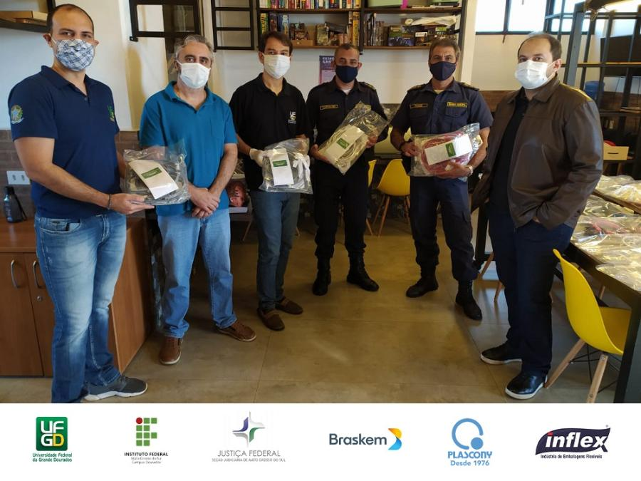 Parceria UFGD e IFMS entrega protetores faciais 11